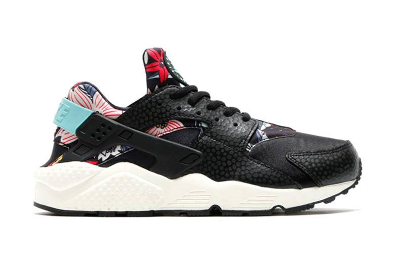0a8242363a46 Nike 2015 Spring Summer WMNS Air Huarache Run Print Pack