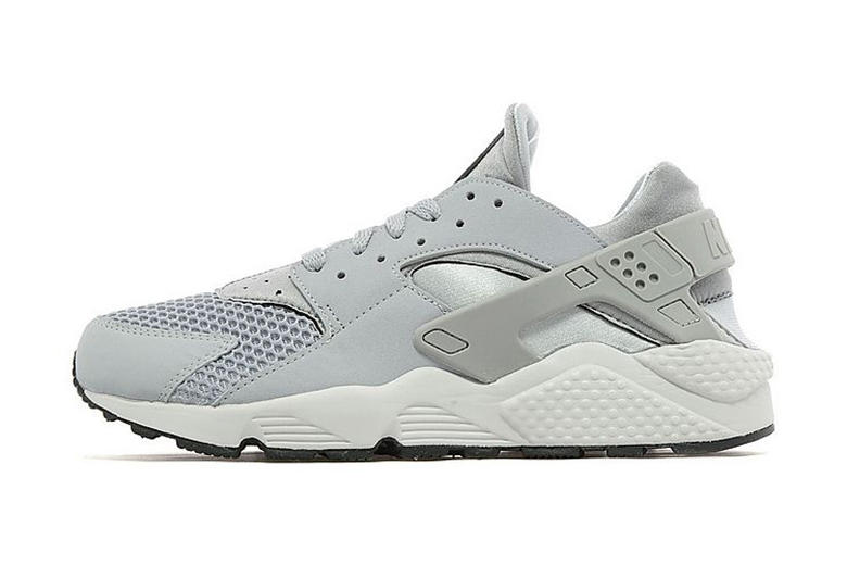 watch 4d6b4 67ee7 Nike Air Huarache Wolf Grey Pure Platinum JD Sports Exclusive. Yet another  colorway of a Nike classic is set to hit the shelves of the U.K. s JD  Sports.
