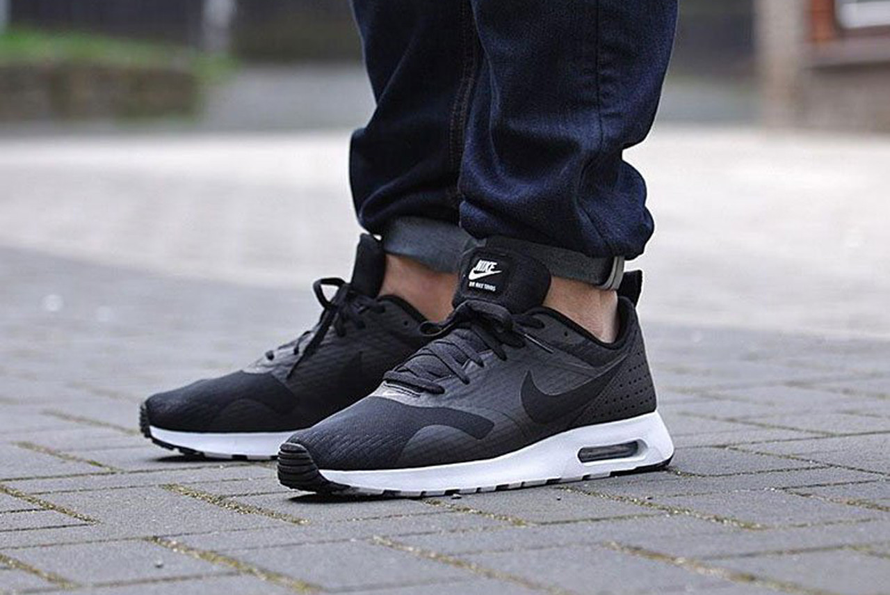 air max tavas black white