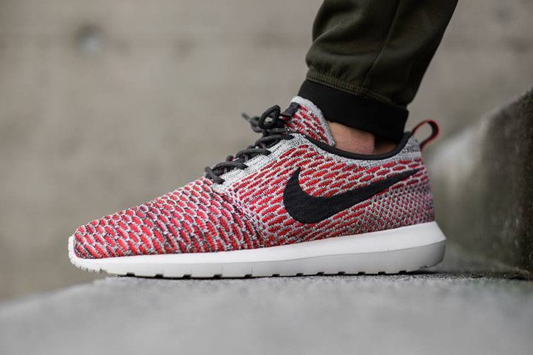 7be79e02f954a Nike Flyknit Roshe Bright Crimson Anthracite