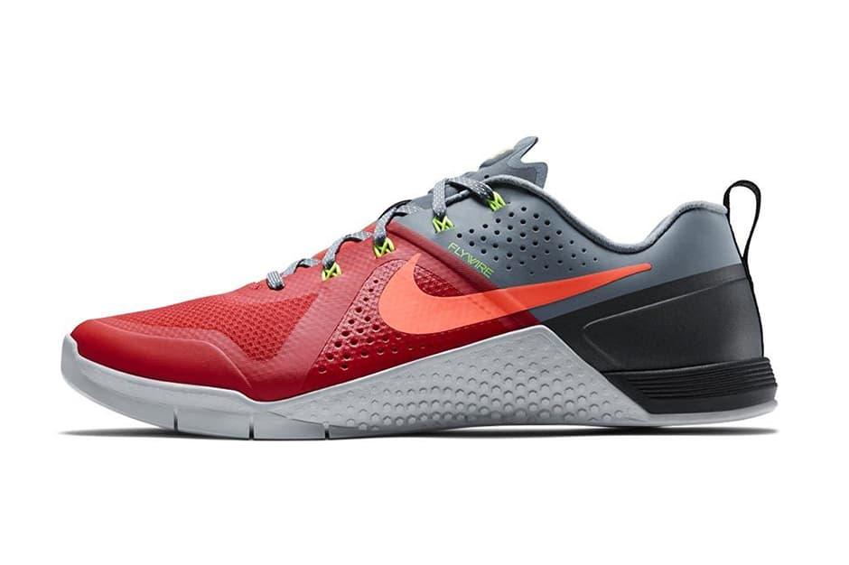 """Nike Metcon 1 """"Daring Red"""""""