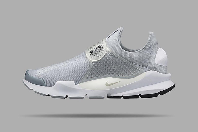 official photos cd238 da333 Unveiled earlier today, NikeLab is bringing back its Sock Dart silhouette  that was born in 2004.