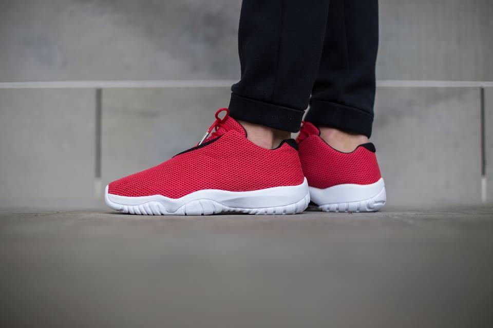 red jordan future low
