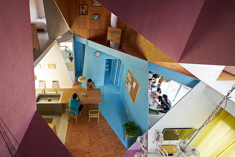 This Quaint Japanese Home Disguises a Geometric Interior