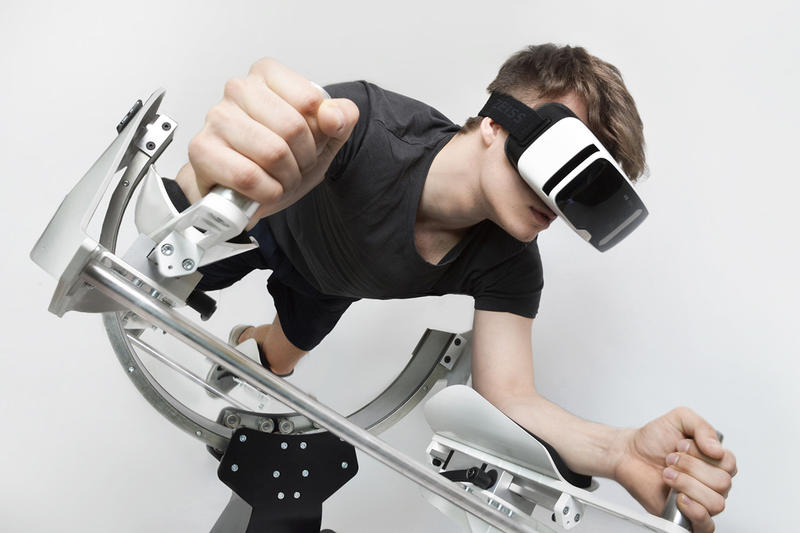 This Virtual Reality Rig Lets You Game and Work out at the Same Time