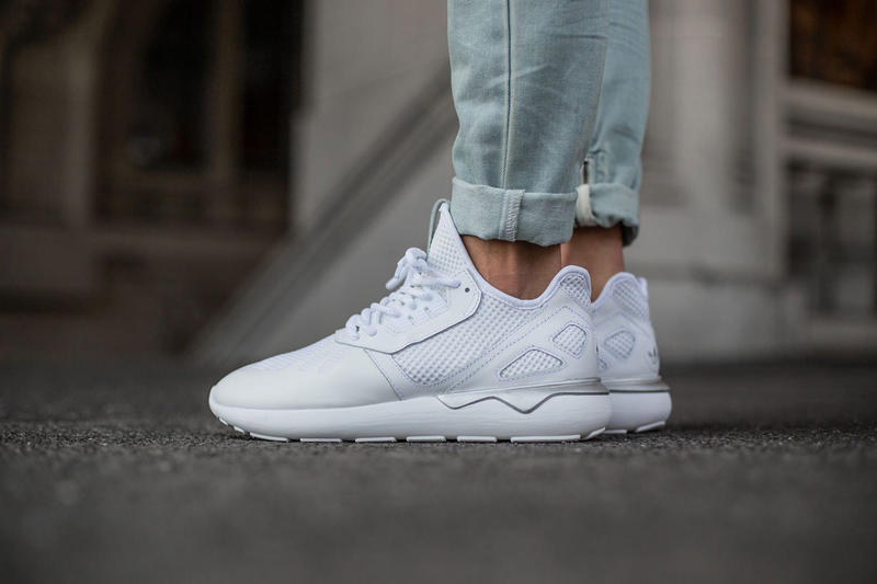 buy online 84e60 effa8 adidas Originals Tubular Runner