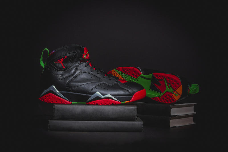 18816c9bdbfd A Closer Look At The Air Jordan 7 Retro