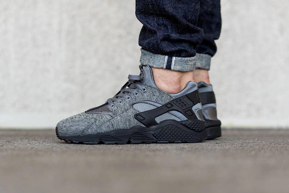 hot sales 2acb5 c5458 Nike Air Huarache Run Tech Fleece Closer Look   HYPEBEAST