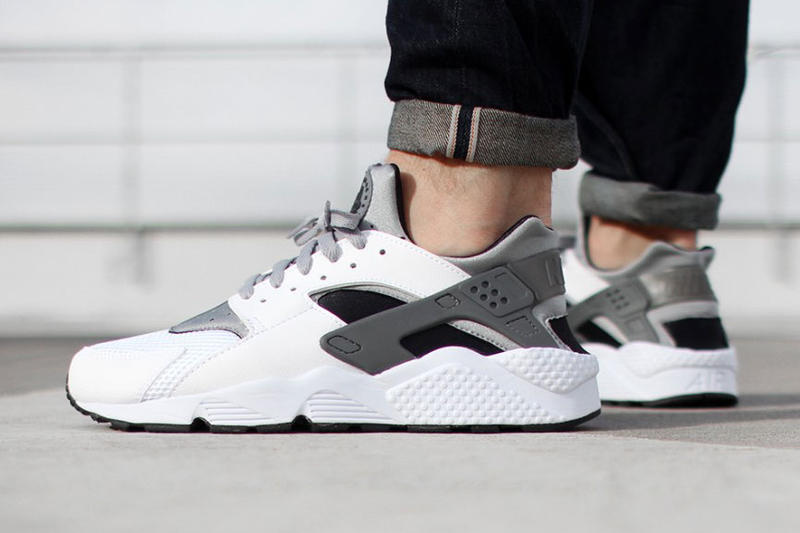 0db677bf9a0c Nike Air Huarache White Wolf Grey-Black
