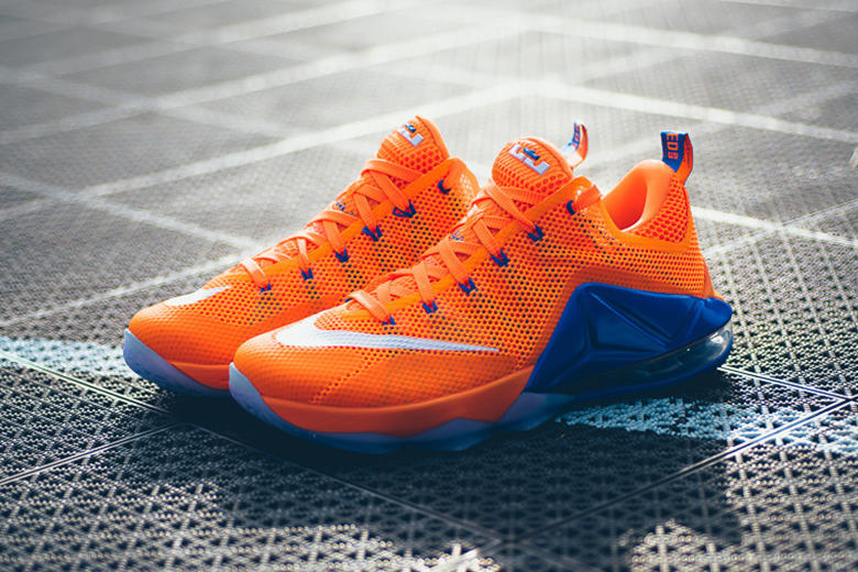 on sale 1d4e1 56ea4 The Knicks-esque make-up makes its way to LeBron s low-top.