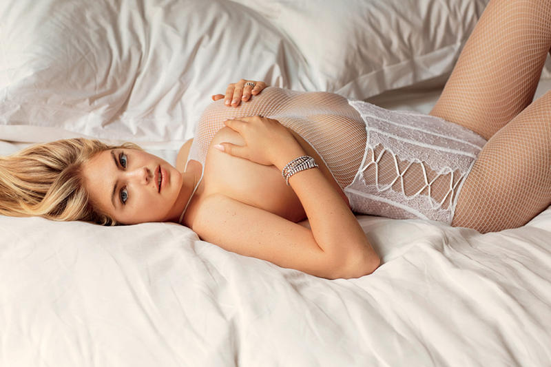 """Kate Upton, Miranda Kerr, Candice Swanepoel & More for """"The Best of the Best"""" Issue of 'V Magazine'"""