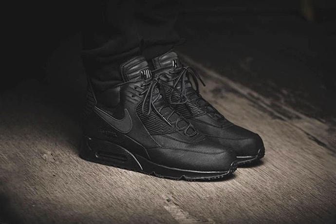 the latest e751f 483e5 Nike Air Max 90 Sneakerboot Winter BlackBlack