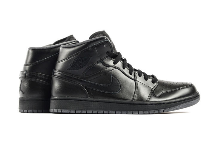 01194e06ba3cae Air Jordan 1 Mid Black Dark Grey. Black leather Js for the winter.