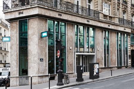 Sneakersnstuff Opens Paris Store