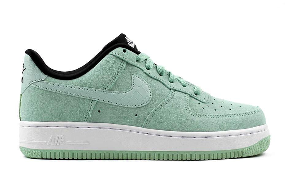 Nike Air Force 1 Low Suede Enamel Green