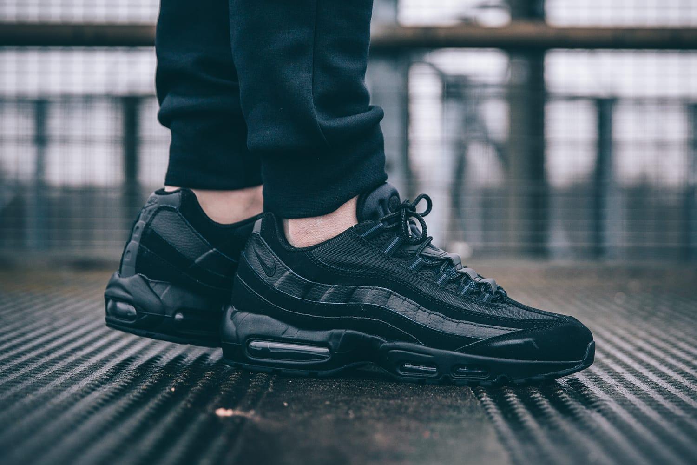 Nike Air Max 95 Triple Black | HYPEBEAST