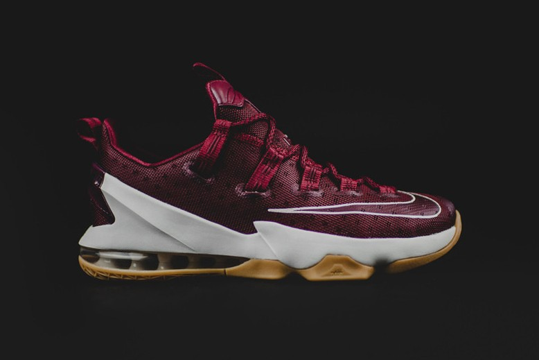lebron 13 low red