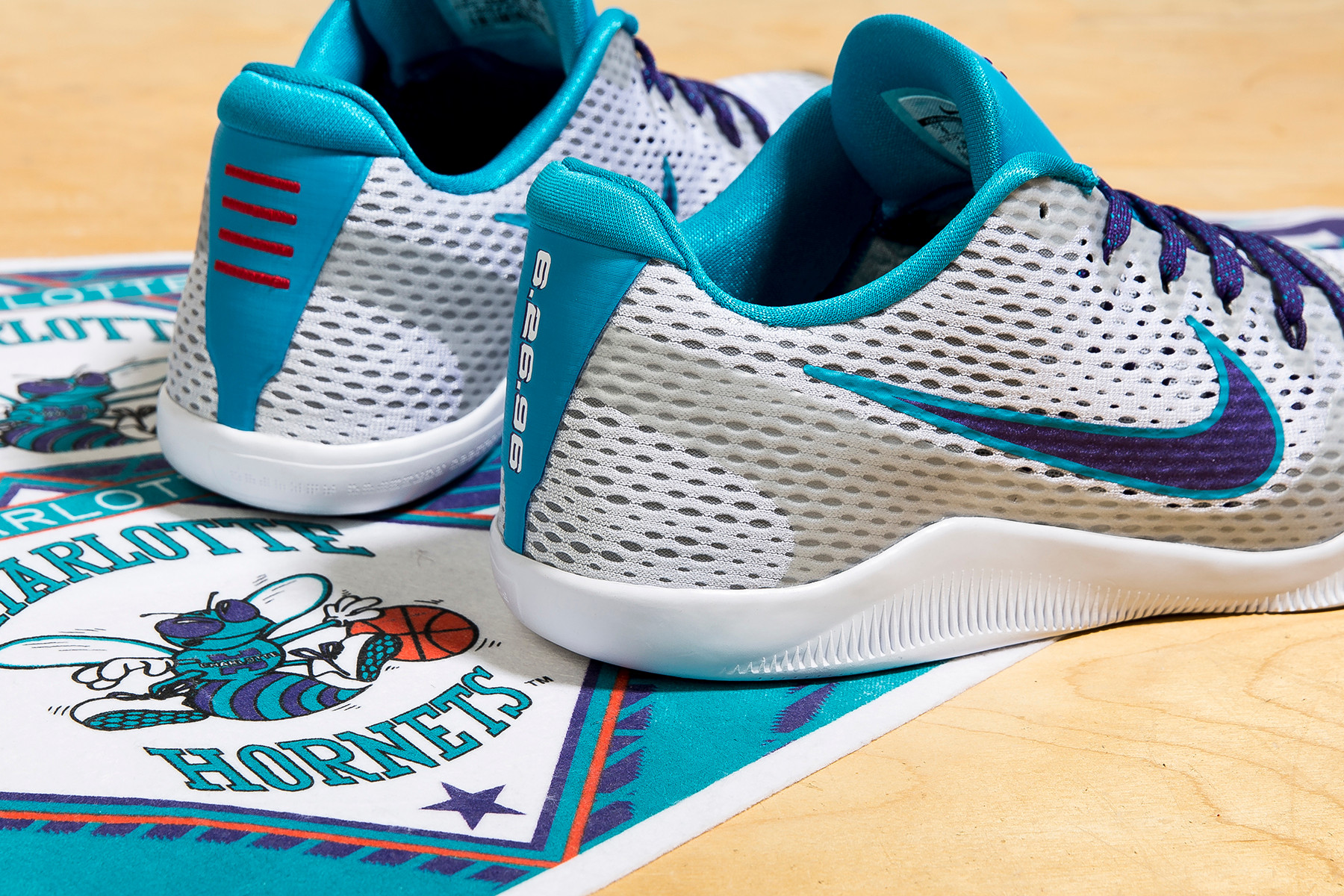 Nike Kobe 11 Draft Day Hornets Colorway