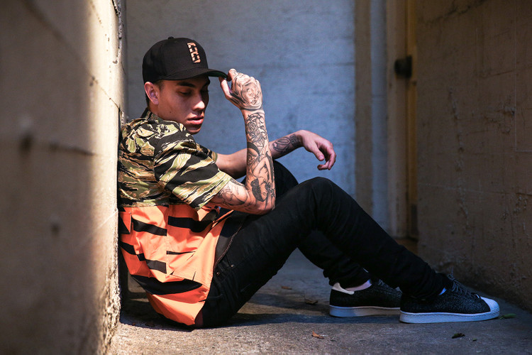 00bff1fd7c Black Scale 2016 Summer Lookbook Accents a Strong Sense of Contrast