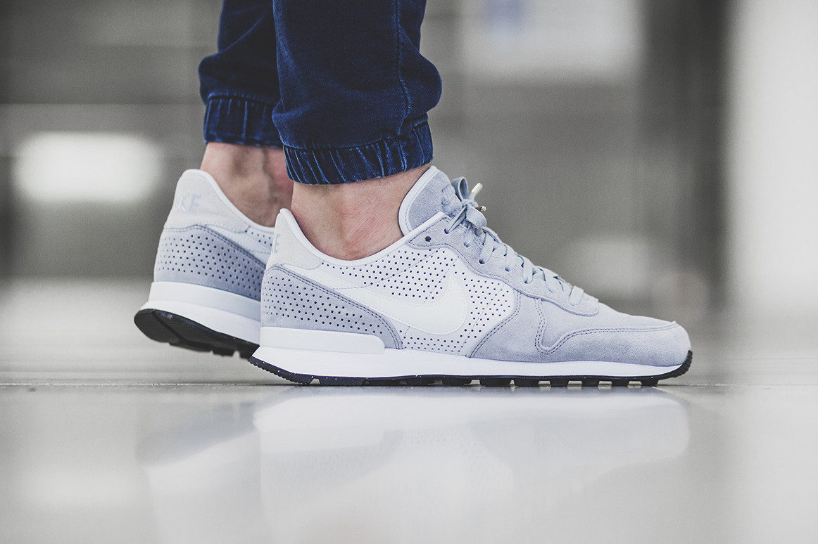 Nike Internationalist LX Wolf Grey