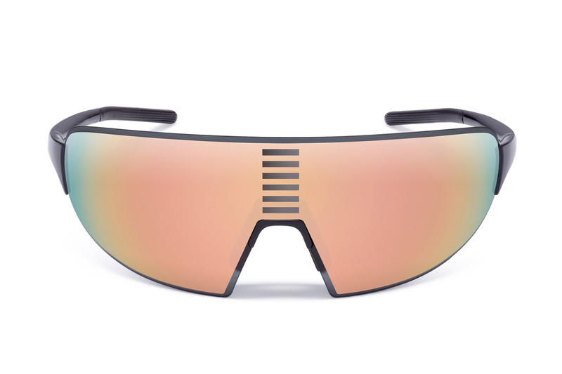 8ab340c3b0 Rapha s Pro Team Flyweight Glasses Provide Eye Protection for High-Speed  Descents