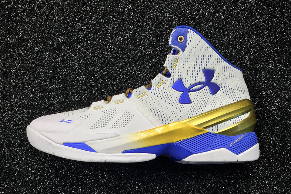 a3885b8772f7 Under Armour Stephen Curry 2 Gold Rings and Finals Player Exclusive Sneaker