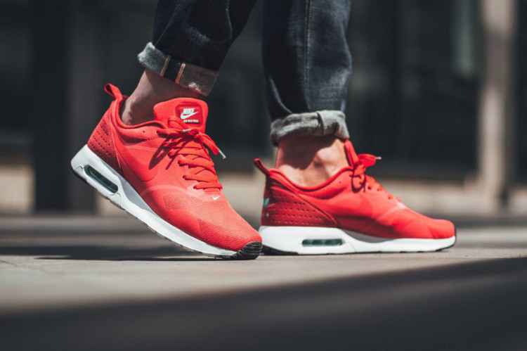 online retailer 40140 98bc5 Nike Air Max Tavas Drops in Fiery Action Red