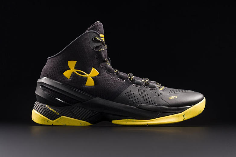 77d93e34aef3 Under Armour Curry 2 Black Knight