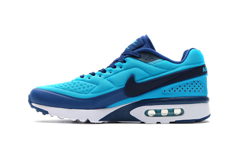 sports shoes f67a4 90f59 Nike Air Classic BW Ultra SE Gets the