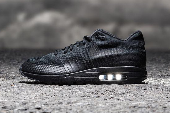 sale retailer b0ccf de497 A Sneak Peek at the Nike Air Max 1 Ultra Flyknit