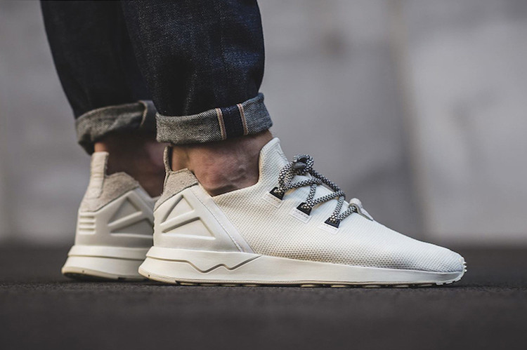 big sale 2c5e4 ad8f6 New adidas Orginals ZX Flux ADV Tops off With Yeezy Laces. Footwear