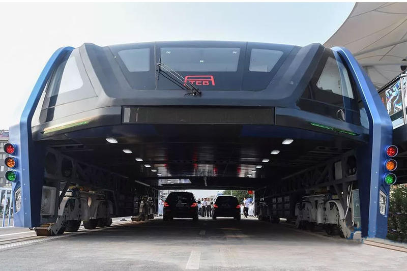 China Has Actually Built an Elevated Bus That Straddles Traffic