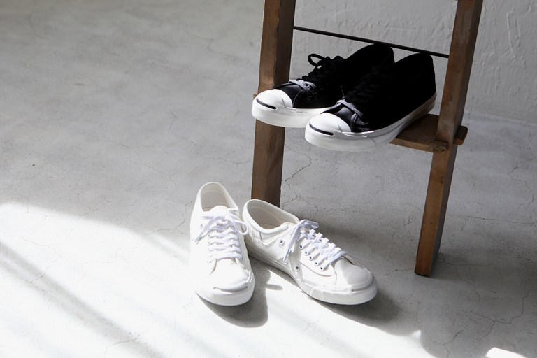 f8e0d625688 The UNITED ARROWS Green Label x Converse Jack Purcells Will Complete Your  Monochrome Essentials