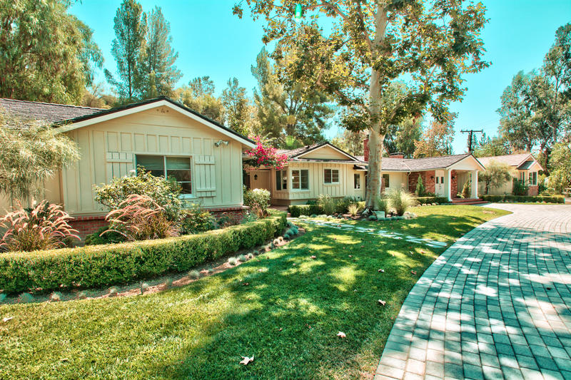 Drake Buys Neighbor's House hidden hills estate