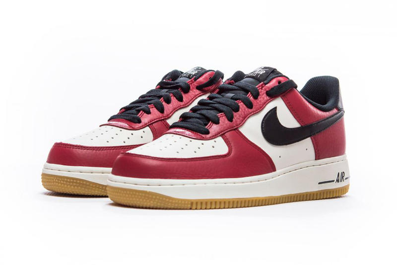 timeless design 0e985 0f823 Nike Air Force 1 Low Chicago red black white