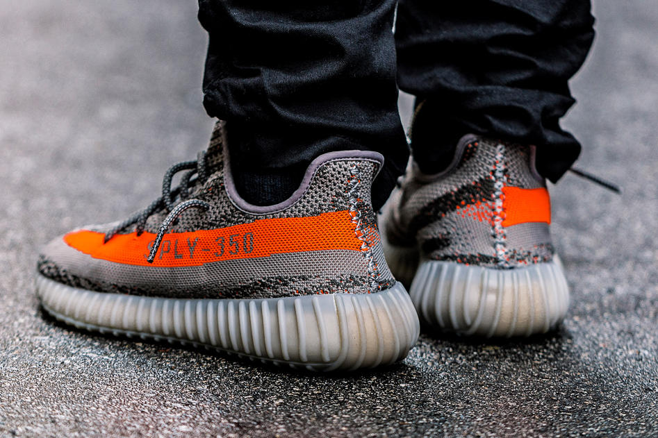 A Closer Look at the adidas Yeezy Boost 350 V2 Kanye west SOLAR RED/STEEPLE GRAY/BELUGA primeknit