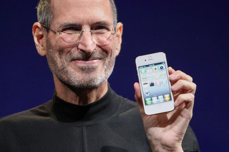 Steve jobs apple iphone 4