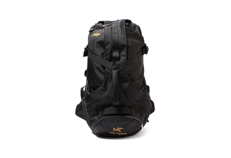 Arc'teryx BEAMS 40th Anniversary navy black gold