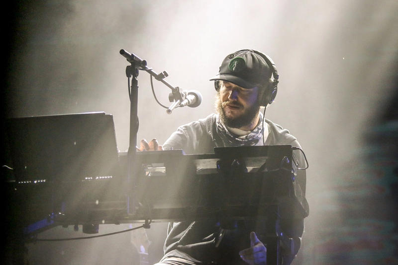 bon iver 29 #Strafford APTS 666 ʇ music video 22 a million live justin vernon