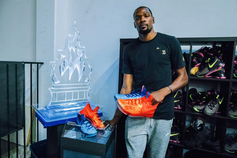 """Kevin Durant """"Fire and Ice"""" Nike KD 9 GS"""