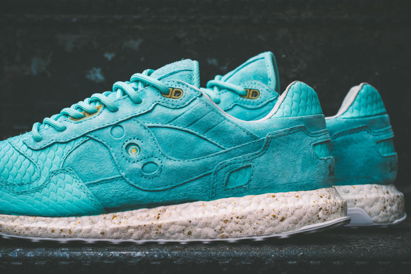 """Saucony Shadow 5000 """"Righteous One"""" adidas Ultra Boost Sole"""