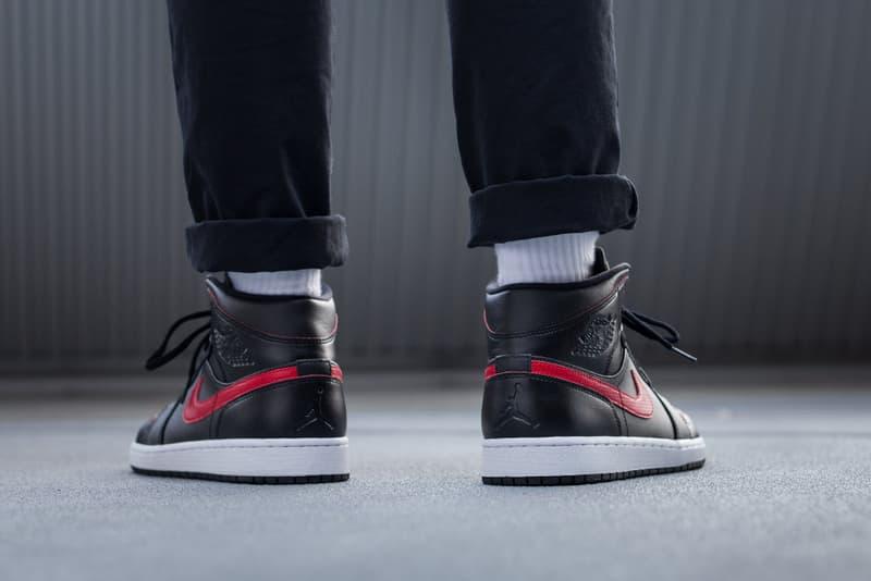 Air Jordan 1 Mid Black Red