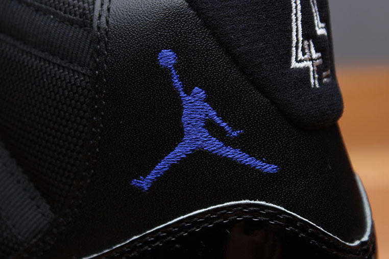 Air Jordan 11 Space Jam