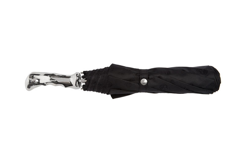 Alexander McQueen 3D-Printed Skull Umbrella black silver