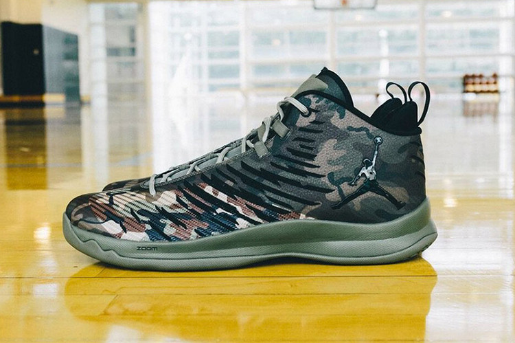 """factory price a77bd 3a894 Jordan Brand Pays Tribute to Troops With the """"Veterans Day"""" PE Collection"""