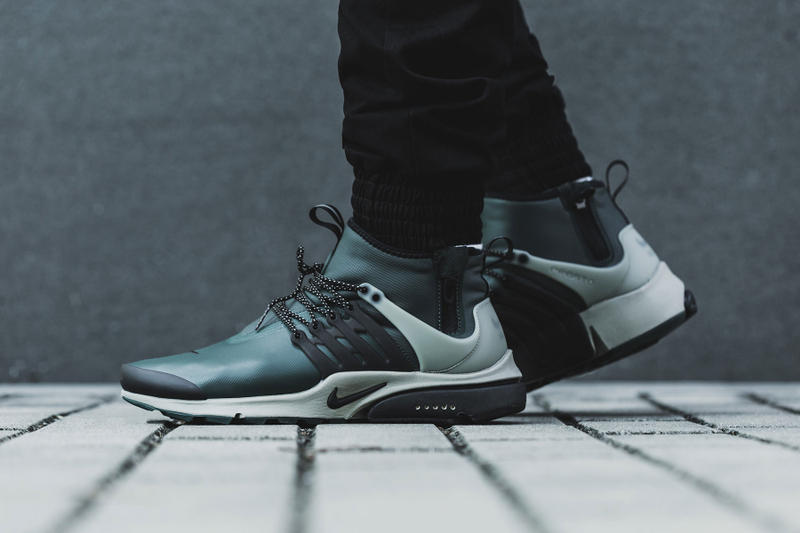 the latest 4220f 2d2ef Nike Air Presto Mid Utility Closer Look weatherproof