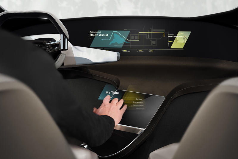 BMW HoloActive Touch CES HUD Display