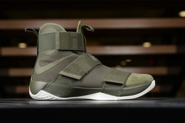 Nike Upgrades the Zoom LeBron Soldier