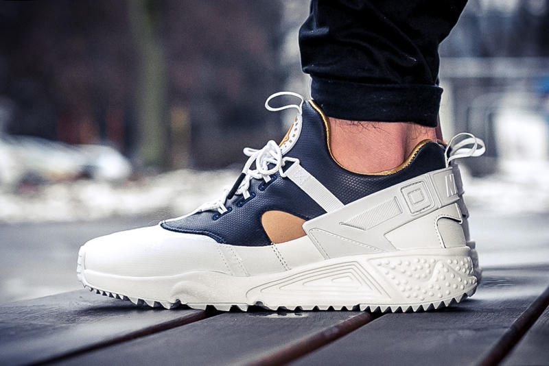 check out b1664 118bc Nike Air Huarache Utility Premium White Midnight Navy Metallic Gold
