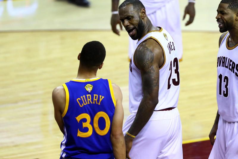 Lebron James Talking To Steph Curry